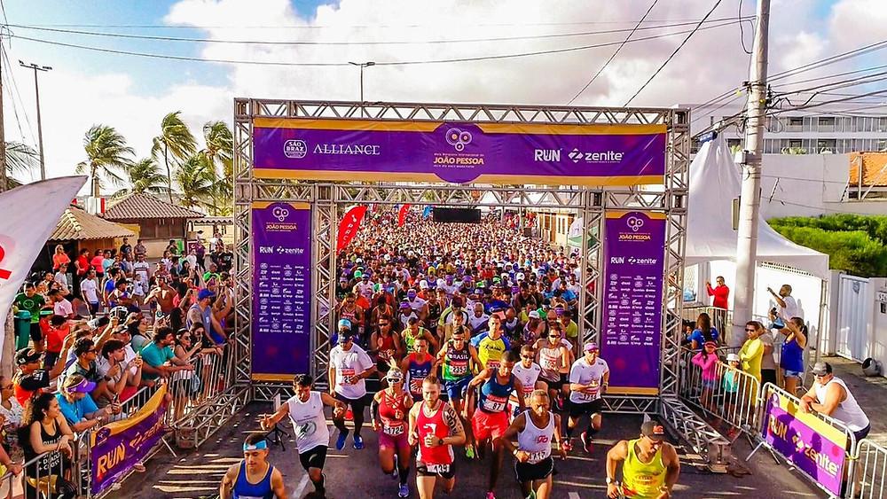 4 mil atletas invadiram a cidade para a Meia Maratona Internacional de João Pessoa