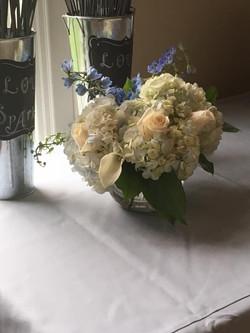 gift table arrangement