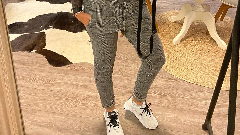 Check stretch pants