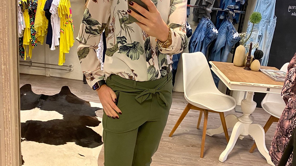 Blouse leafs