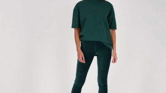 Rib Flair Pants in Fir Green van Raizzed
