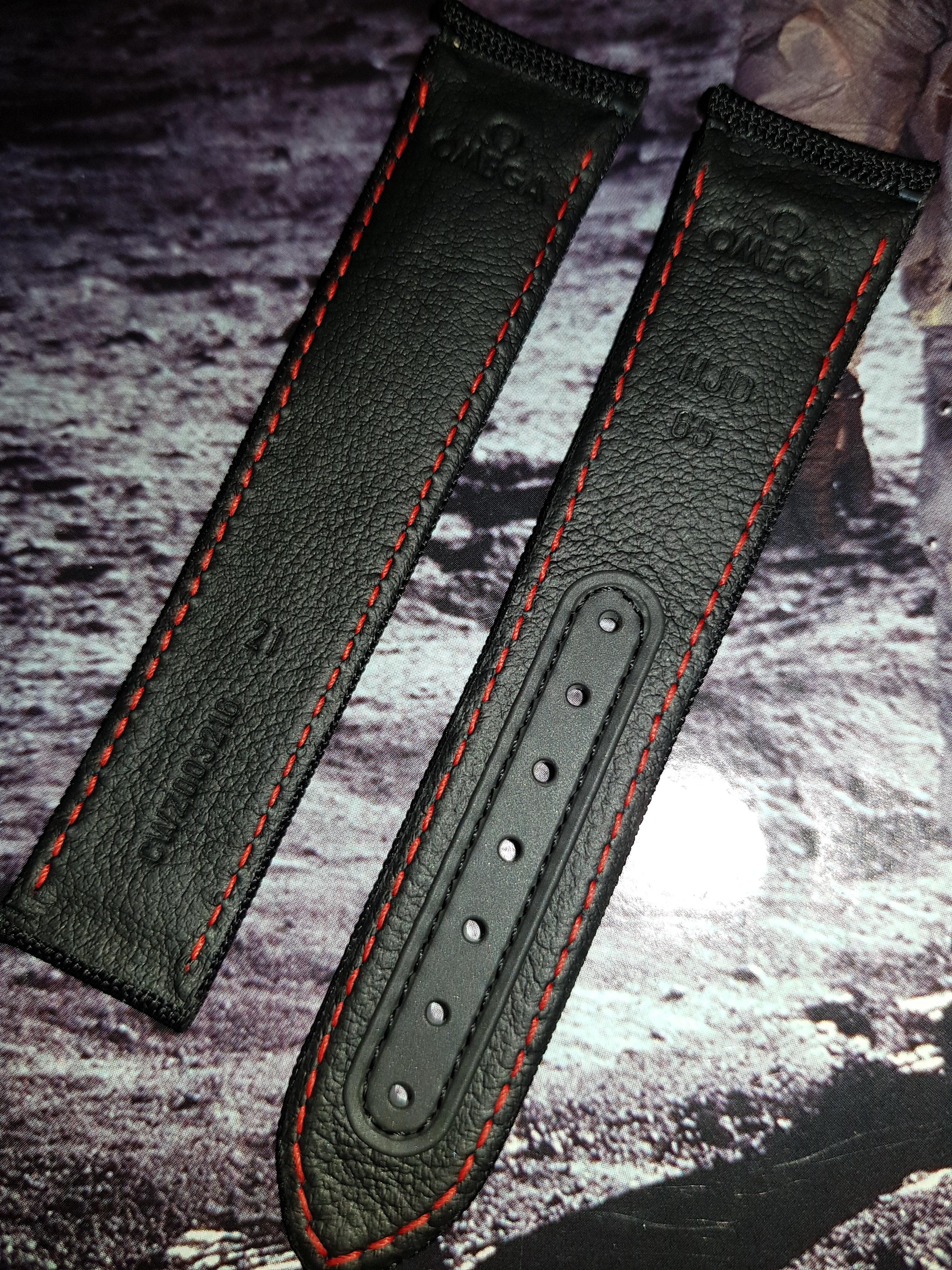 Omega Speedmaster Dark Side Of The Moon 21mm Cuz003216