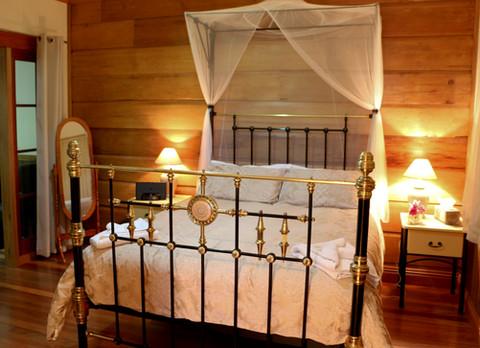 Oak Brass Bed.JPG