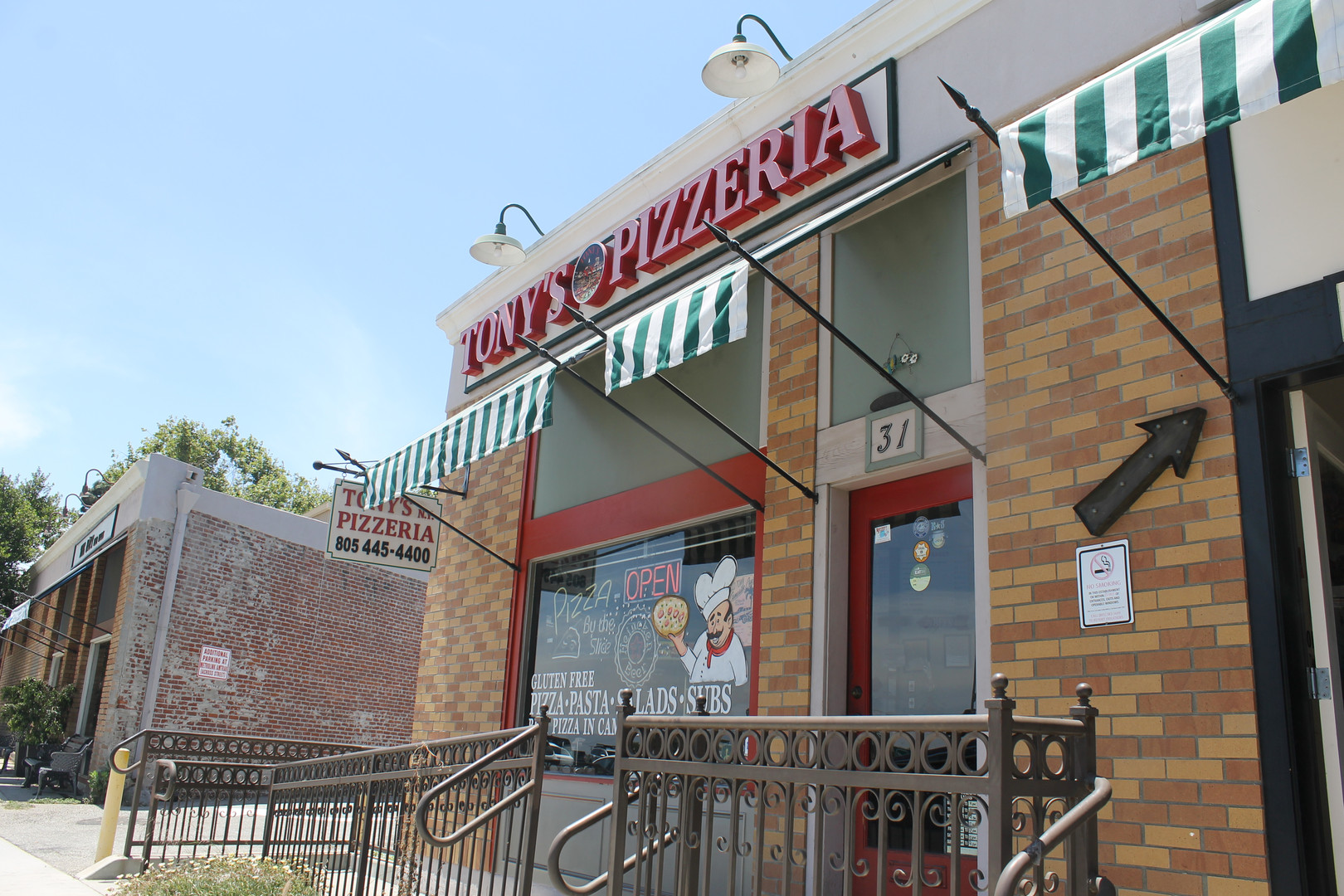 Tony's Pizza Camarillo