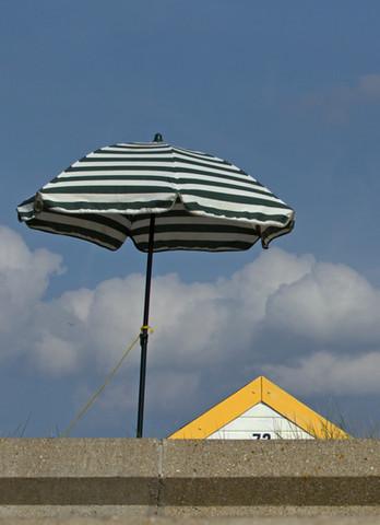 Beach Hut & Parasol