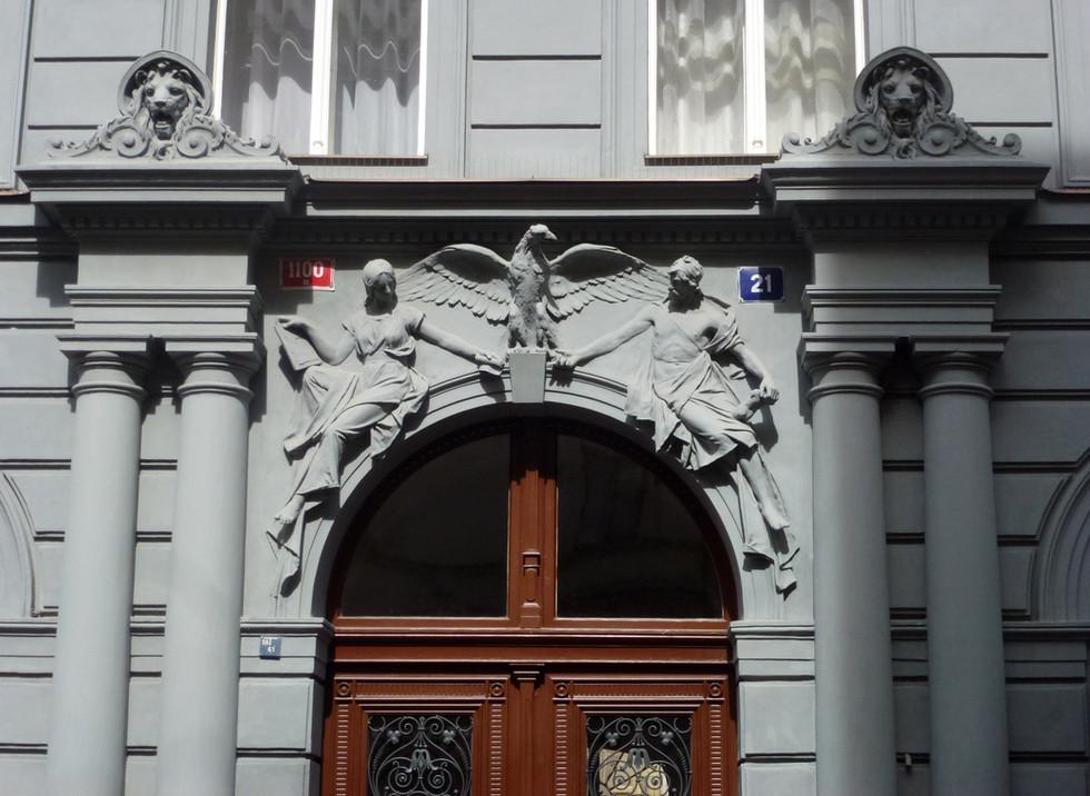 Portico, Prague