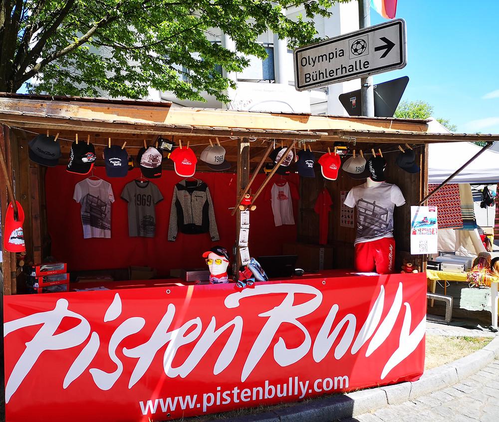 PistenBully-Hüttenstand