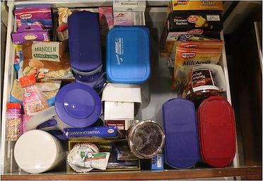 Küchen-Schublade VOR dem Ausmisten