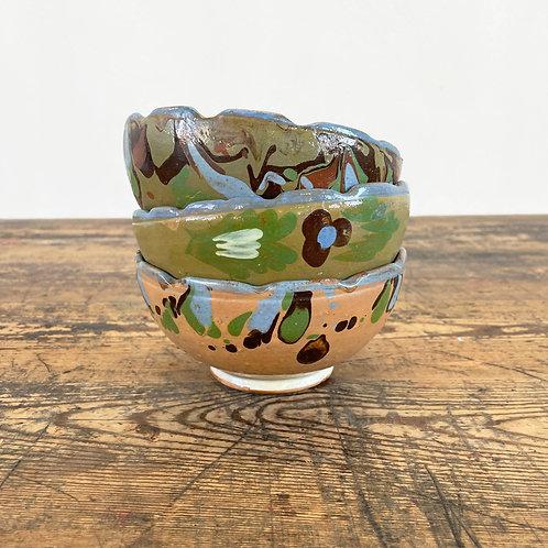 Vintage Folk Art Scalloped Pottery Bowls. Central European C1920-40.