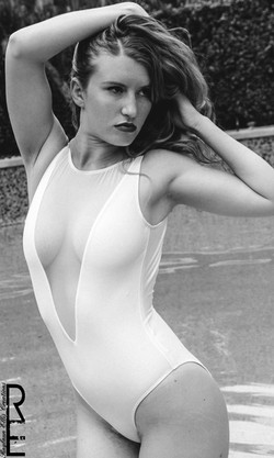 Swimsuit_RaylaunEllis_JessicaLenz