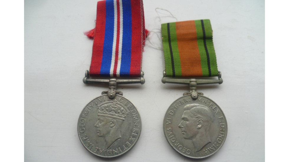 WW2 1939 - 45 War Medal/ Defence Medal