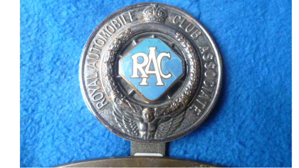 RAC Chrome With Diamond Enamel Centre