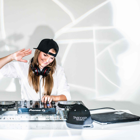 DJ Snapback