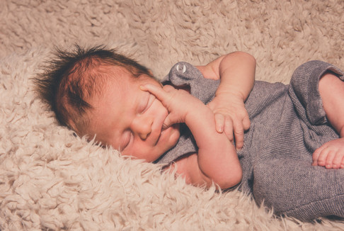 Newborn-Fotoshooting-PhotoArt