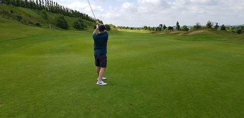 Arjan Mullahi - Golf Spielen.jpg