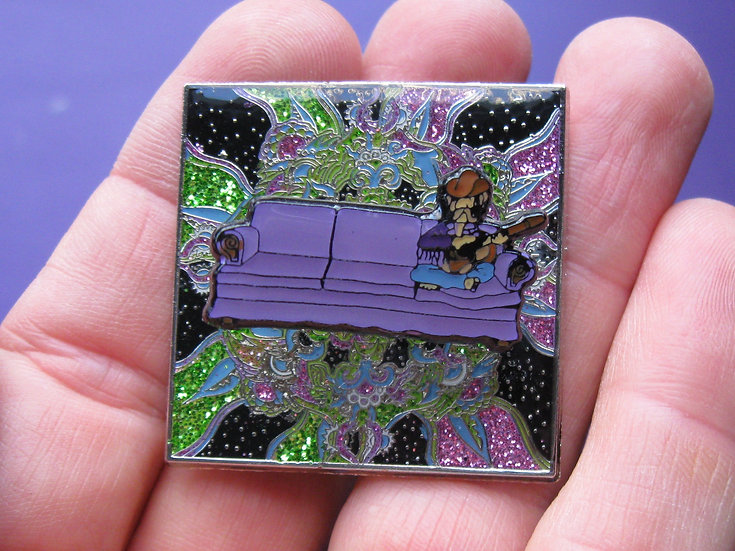 couch tour bobble pin