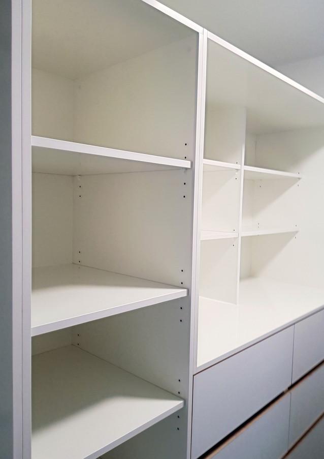 Internal storage for walkin robe