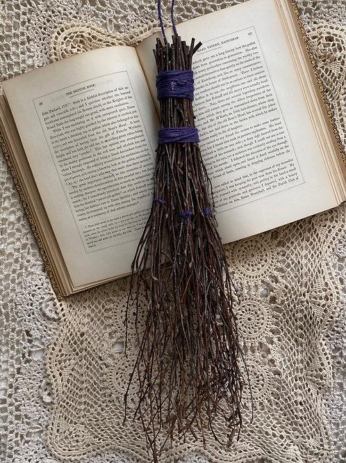 """Incantations of old"" potpourri wall broom- medium"