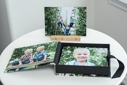 valleyshots photography yakima washington portrait box art collection family and senior portrait photographer