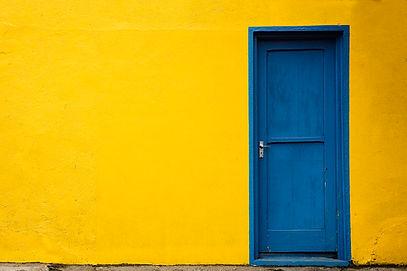 blue-door-joe-coca.jpg