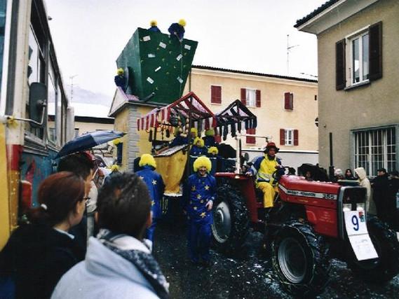 CARNEVALE TESSERETE 2002 - Corteo inneva