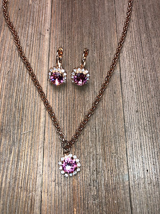 Rosegold Single Crystal Necklace with Surrounding Crystals