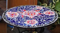 Mosaiktisch blau