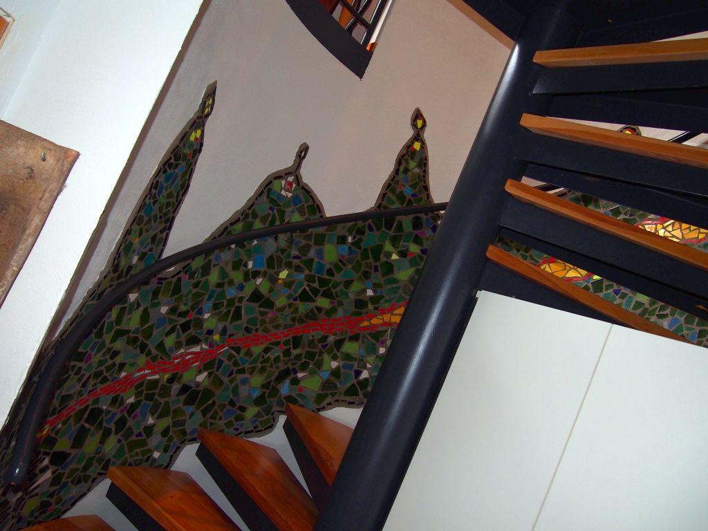 Mosaik an Wendeltreppenwand