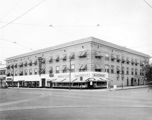 1928 Photo.jpg