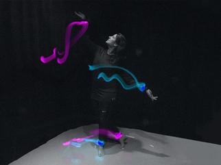 Dancer's trace II: Light