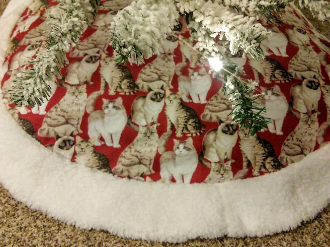 "Cuddly Kitten 45"" Christmas Tree Skirt"