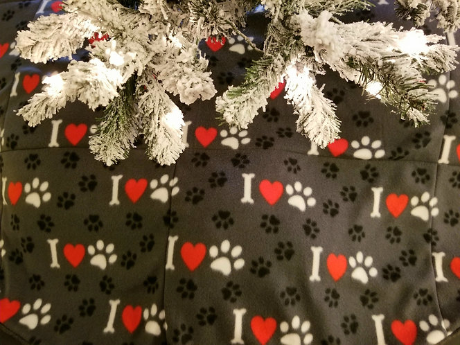 I Love Paws 5 Feet Across Christmas Tree Skirt