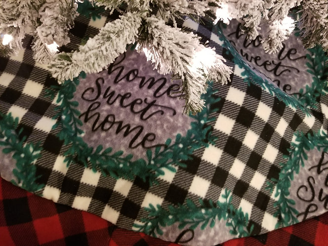 Home Sweet Home Christmas Tree Skirt 6 Feet across with accent Plaid Border