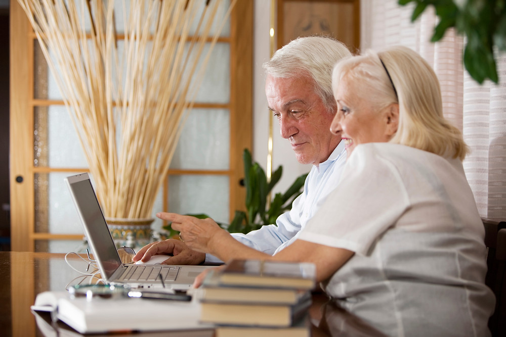 Old-Couple-Computer.jpg