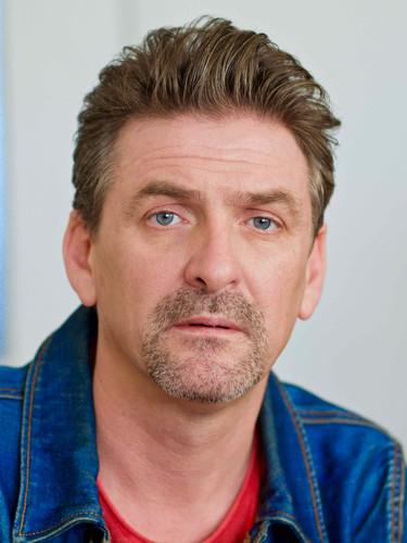 Stephan Lhuillier