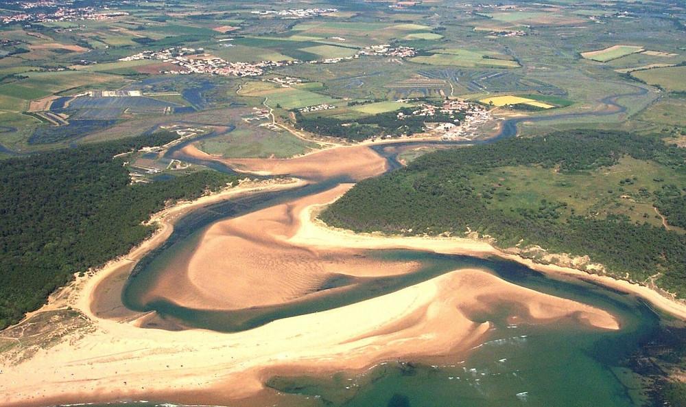 Vue aérienne de l'estuaire du Payré