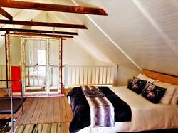 Loft - 1X Double Bed