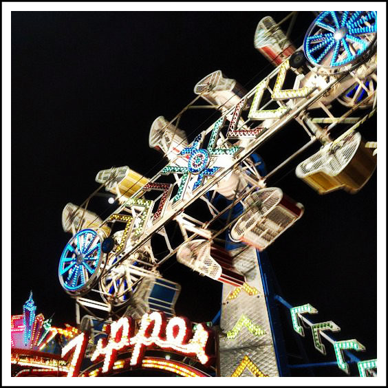 The Zipper: Not a good ride for fainthearted people with full pockets.