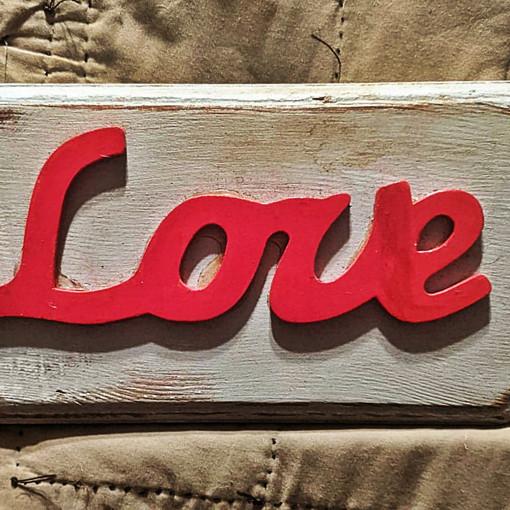 LOVE SIGN : $15