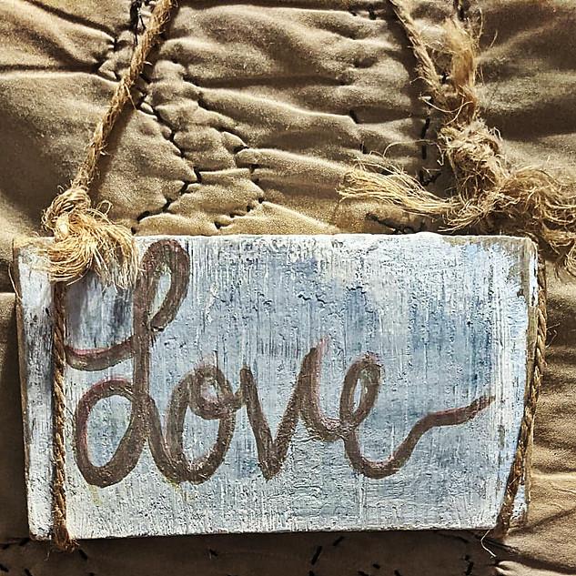 LOVE : $10
