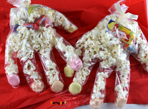 Geburtstagsznüni: Popcorn-Hand - Abgepackte Essensidee