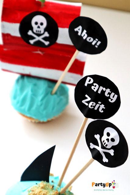 Piraten Geburtstag Deko Ideen für den Tisch zum Kindergeburtstag mit dem Motto Piraten zum Beispiel Cupcake Toppers