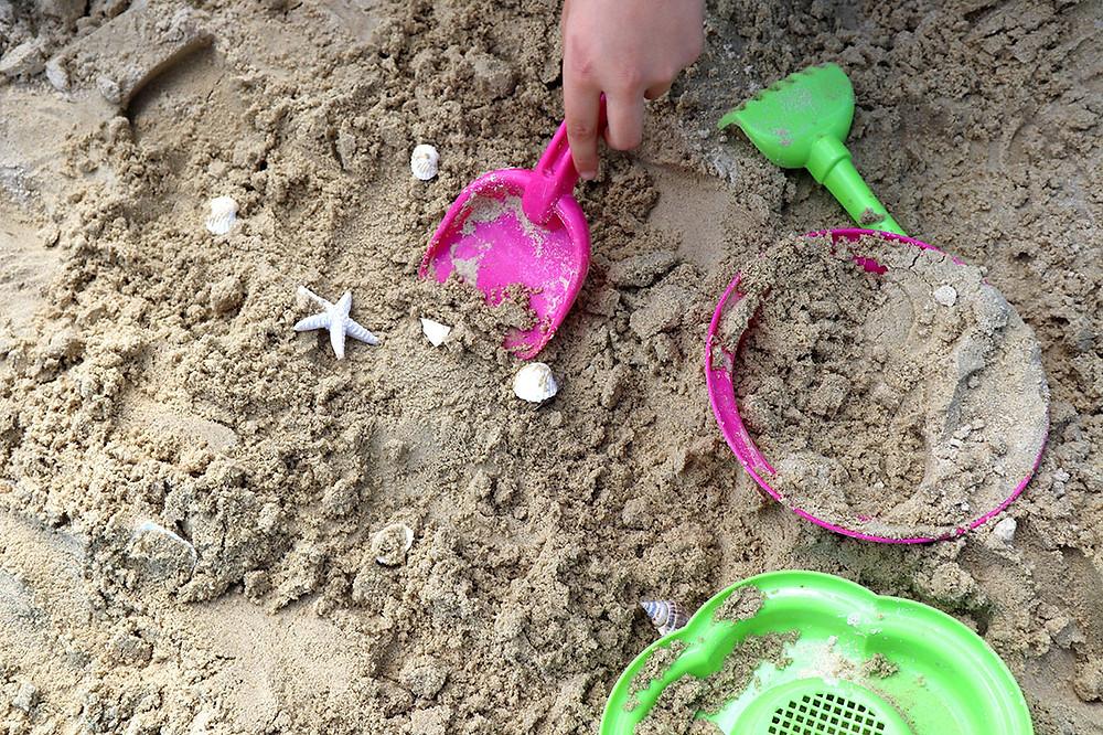 Schatz ausgraben: Spielidee für den Kindergeburtstag zum Motto Piraten