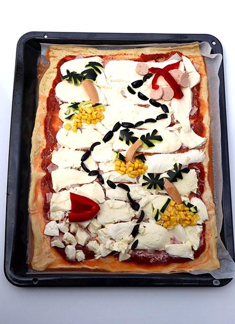 Schatzkarten-Pizza - Herzhafte Essensidee zum Motto Piraten Kindergeburtstag