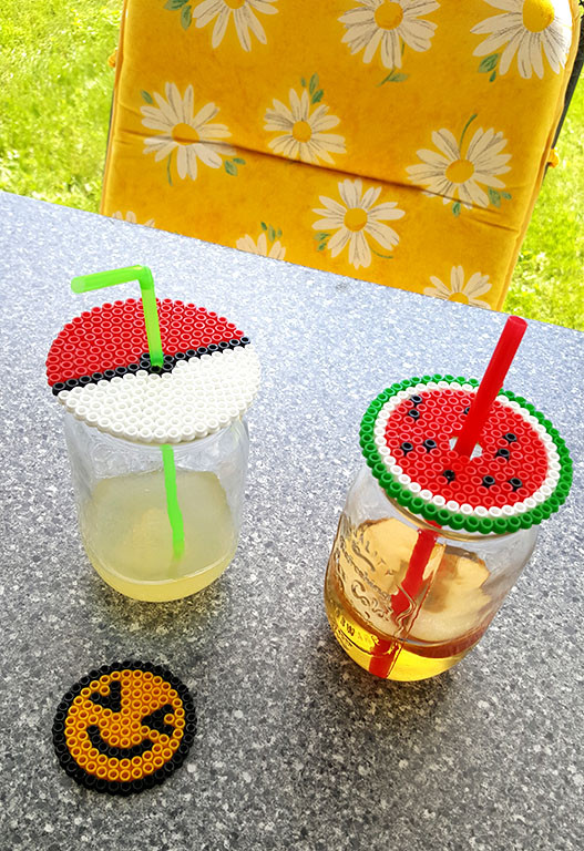 Smiley, Pokéball oder Wassermelone als Glas-Abdecker bzw. Getränke-Untersetzer aus Bügelperlen