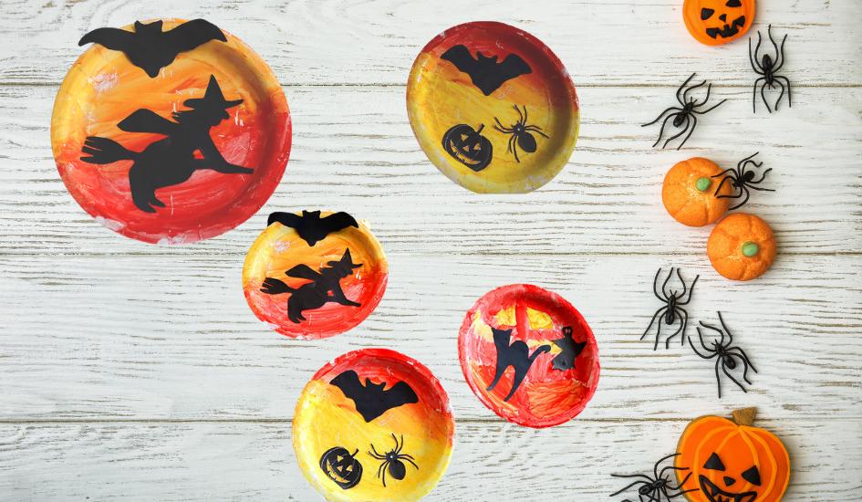 Einfache Halloween Party Deko Idee mit Pappteller zum basteln mit Kindern inklusive Vorlage für Halloween Motive zum kostenlos herunterladen