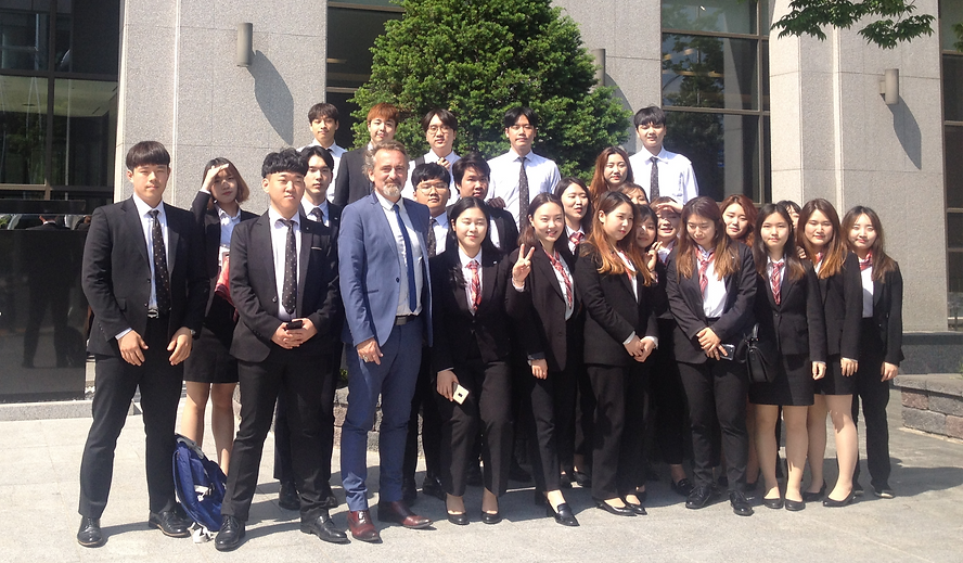 students%20korea1_edited.png