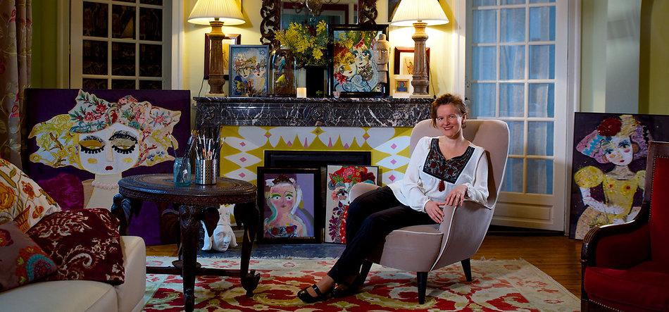 Katherine dans son salon.jpg