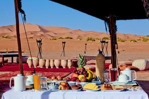 désert nuit campement luxe