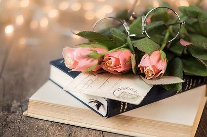 roses-4049634_1920.jpg